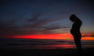 Сон: своя беременность (значение: видеть себя и большой живот, что значит, увидеть во сне шевеления ребенка в животе и пр.)