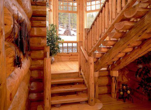 Лестница напротив входа: что говорит фен-шуй